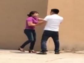 Vợ đánh ghen sau khi bắt gặp chồng dẫn người tình vào nhà nghỉ