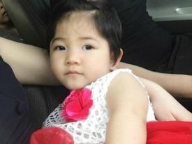 Bất ngờ với bé gái SaPa 14 tháng tuổi nặng 3,5kg 'lột xác' xinh như công chúa