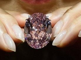 'Ngôi sao' màu hồng 1.600 tỷ phá vỡ mọi kỷ lục đấu giá