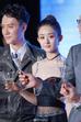 Đây sẽ là áp lực không nhỏ với Triệu Lệ Dĩnh khi hình ảnh Nữ vương của Chu Lâm đã để lại ấn tượng quá lớn trong lòng khán giả. Bên cạnh đó, cô còn bị đánh giá là quá trẻ con để vào vai diễn này.