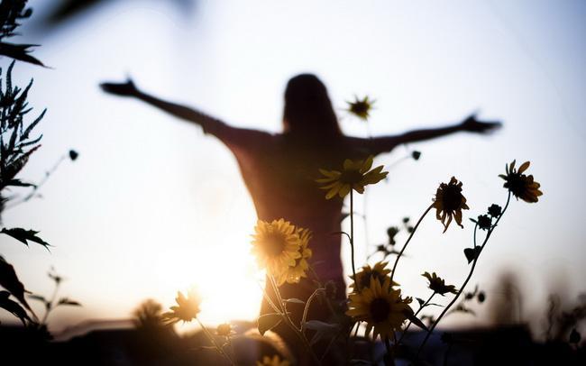 Càng trưởng thành, người ta càng mắc bệnh sợ yêu - Ảnh 1.