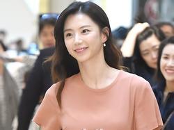 Vợ Bae Yong Joon khoe vóc dáng thon thả, ngày càng đẹp mặn mà