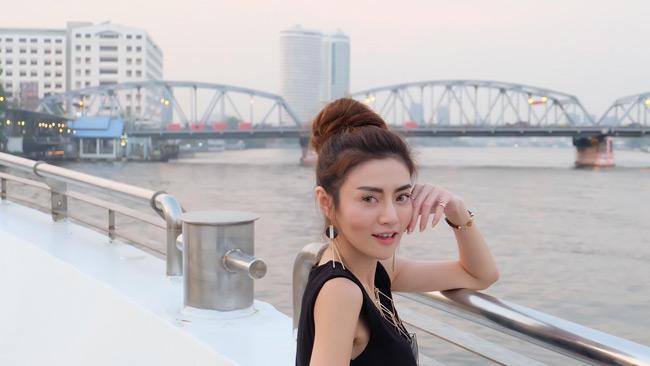 "chan dai noi loan khoe than khong biet ""xau ho"" o thai la ai? hinh anh 12"