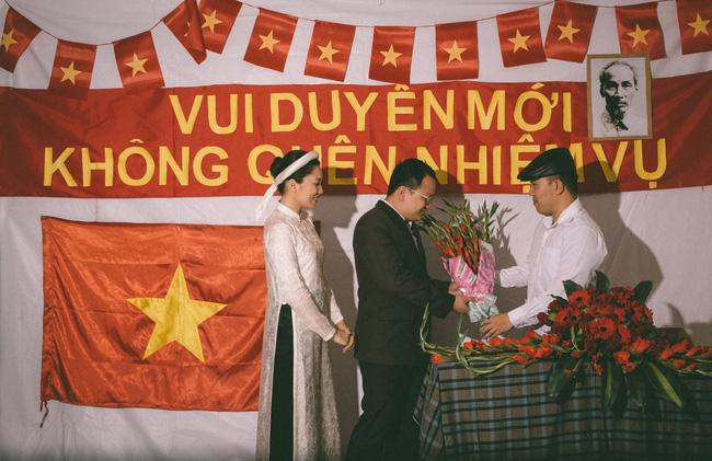 Độc nhất vô nhị: Chụp một lần, cặp đôi tái hiện được tất cả các kiểu lễ cưới Việt Nam trong 100 năm qua! - Ảnh 9.