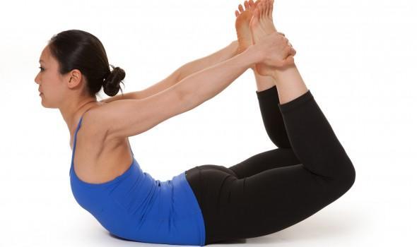 7 bài tập giúp bạn loại bỏ da chảy xệ sau lưng và hai bên thân rất hiệu quả - Ảnh 4.