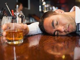 Mẹo uống rượu lâu say, ít hại sức khỏe