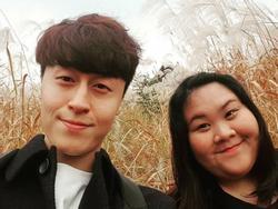 Mối tình đẹp của 'cô nàng vịt bầu' và anh chàng điển trai Hàn Quốc