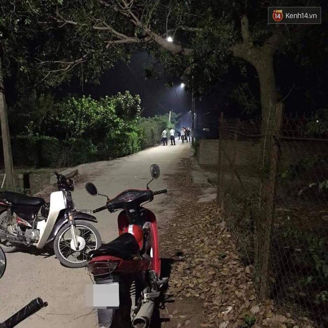 Hà Nội: Một phụ nữ chết bất thường ven đường nghi bị sát hại - Ảnh 1.