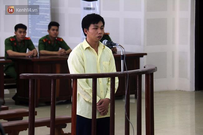 Kẻ cứa cổ em trai, hiếp dâm chị gái ở Đà Nẵng lãnh án 30 năm tù - Ảnh 1.