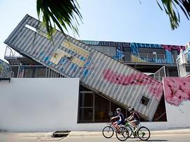 Khu nghệ thuật độc đáo bằng container thu hút giới trẻ Sài Gòn