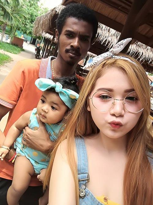"hanh phuc ngot ngao cua doi tinh nhan dua lech khien cu dan mang ""phat hon"" - 12"