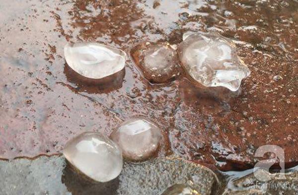 Sau Hòa Bình, mưa đá bất ngờ xuất hiện tại Hà Nội - 2