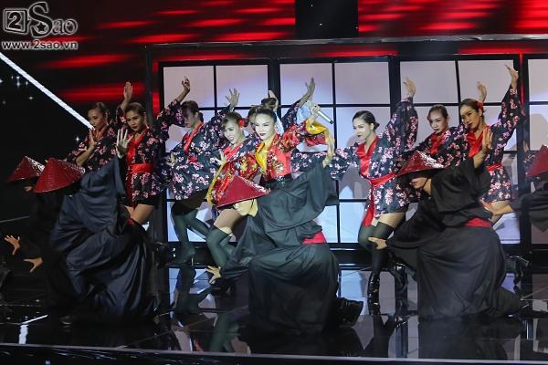 Hương Giang được 'vớt', Bảo Thy liều lĩnh nhảy trên băng chuyền tự động - ảnh 2