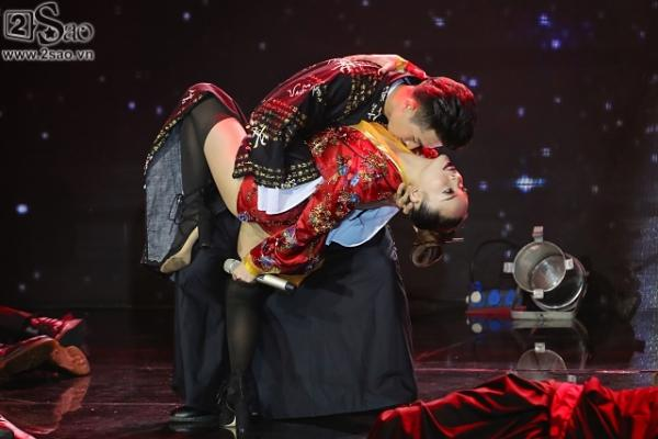 Hương Giang được 'vớt', Bảo Thy liều lĩnh nhảy trên băng chuyền tự động - ảnh 3