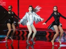Hương Giang được 'vớt', Bảo Thy liều lĩnh nhảy trên băng chuyền tự động
