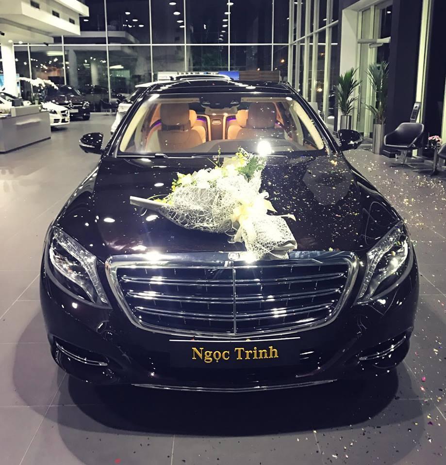 Ngọc Trinh lái siêu xe 12 tỷ đưa mẹ kế đi mua sắm - 03