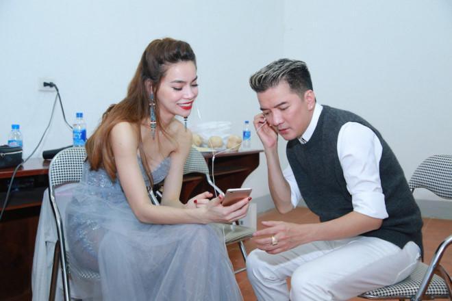 Dam Vinh Hung viet cho Ho Ngoc Ha: 'Troi sinh Hung sao con sinh Ha' hinh anh 1