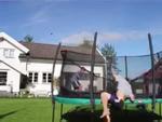 Clip hài: 'Nhũn người' khi nhảy đệm nhún
