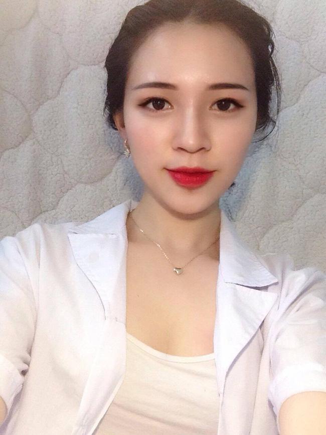 Cô bạn gái trong mơ: Xinh, học ngành Y, là fan cứng Chelsea và chơi được cả bóng đá! - Ảnh 9.