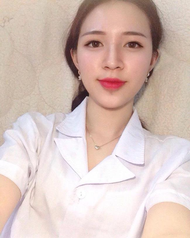 Cô bạn gái trong mơ: Xinh, học ngành Y, là fan cứng Chelsea và chơi được cả bóng đá! - Ảnh 2.
