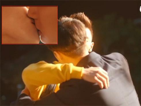 'Cầu hôn đại tác chiến' gây choáng với nụ hôn đồng giới