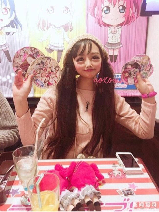 Cô gái được mệnh danh người đẹp anime Nhật Bản: Sự kết hợp kinh dị giữa công nghệ thẩm mỹ, hóa trang và photoshop - Ảnh 5.