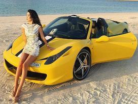 Mùa hè sang chảnh, thỏa sức khoe dáng của các tiểu thư nhà giàu Dubai