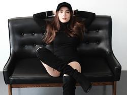 Sau lùm xùm bị chèn ép tại The Remix, Yến Trang vẫn 'bất chấp' tung MV mới