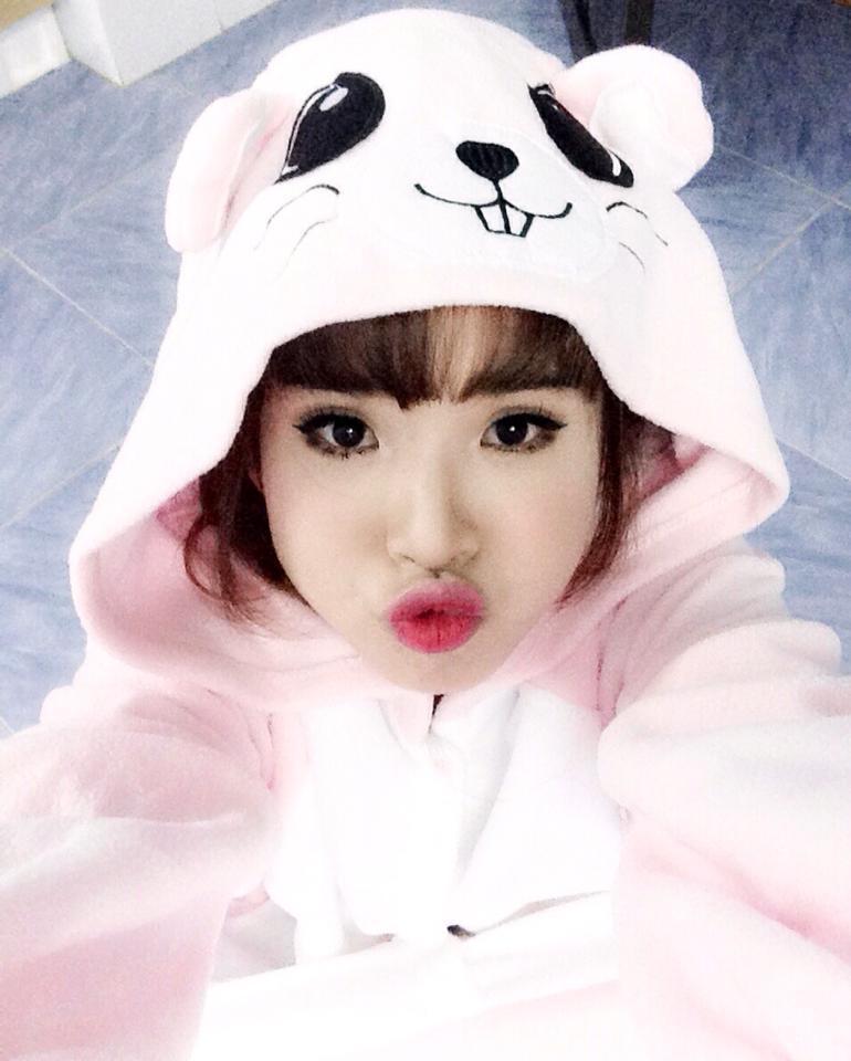 lay chong kem tuoi, khoi my, hari won mac nhu nu sinh 18 hinh anh 7