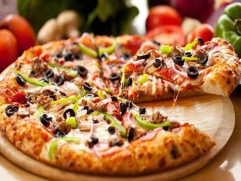 Làm nóng pizza bằng cách nào ngon nhất?