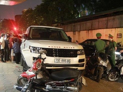 Vụ 'hoàng tử' cướp xe Range Rover: Xuất hiện hot girl sống ảo nhận vơ chiếc xe sang 8 tỷ