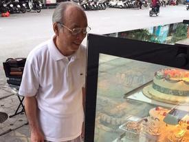 Mua bánh mừng sinh nhật vợ, cụ ông ghi dòng chữ khiến bao phụ nữ ao ước về một tuổi già như thế