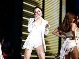 4 lý do giúp Huyền Dung dù bị chê vẫn dẫn đầu đội Đông Nhi tại The Voice 2017