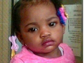 Mẹ đau đớn phát hiện thi thể con gái 16 tháng tuổi dưới ghế sau 30 giờ mất tích