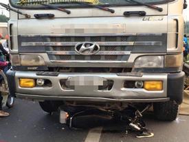 Tin hot trong ngày: Xe tải lấn làn tông 2 người đi xe máy chết thảm