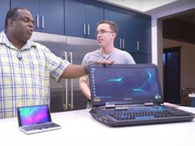 So sánh laptop lớn nhất và nhỏ nhất thế giới