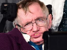 Giáo sư Stephen Hawking: 'Muốn sống sót, con người phải rời trái đất trong vòng 100 năm tới'