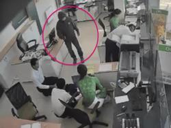 Đã bắt giữ nghi can cướp hơn 2,5 tỷ tại ngân hàng Vietcombank ở Trà Vinh