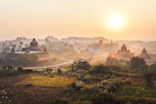 kham pha bi an ben trong thanh pho co bi lang quen o myanmar hinh anh 1