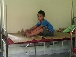 Bé trai 10 tuổi ở Thái Nguyên đi lạc, đói lả sát biên giới Campuchia