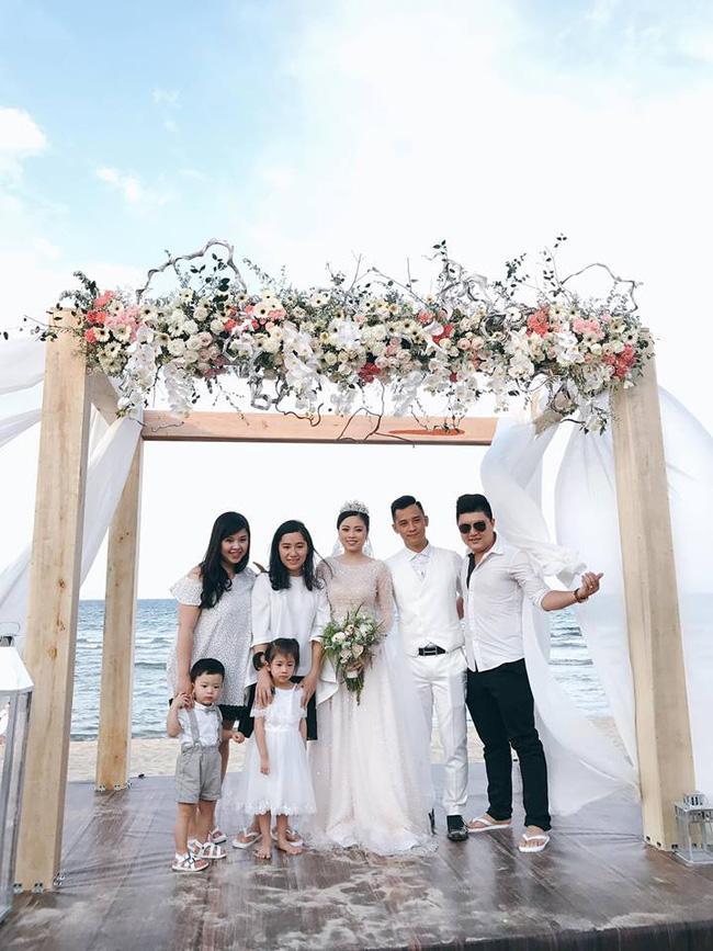 Hằng Túi hạnh phúc trở thành vợ người ta trong đám cưới bạc tỷ lãng mạn bên biển! - Ảnh 11.