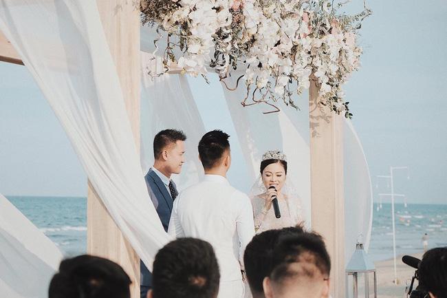 Hằng Túi hạnh phúc trở thành vợ người ta trong đám cưới bạc tỷ lãng mạn bên biển! - Ảnh 7.