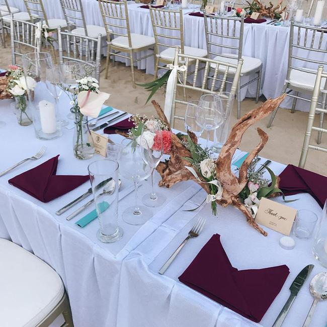 Hằng Túi hạnh phúc trở thành vợ người ta trong đám cưới bạc tỷ lãng mạn bên biển! - Ảnh 12.