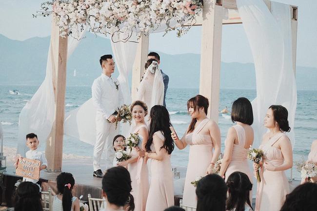 Hằng Túi hạnh phúc trở thành vợ người ta trong đám cưới bạc tỷ lãng mạn bên biển! - Ảnh 6.
