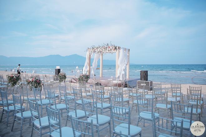 """Những khoảnh khắc đẹp lung linh trong """"đám cưới bạc tỉ"""" lần 2 của Hằng Túi - Ảnh 4."""