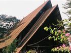 Nhà thờ độc đáo mang kiến trúc nhà rông
