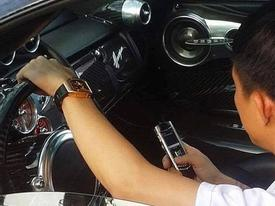 Clip: Minh 'Nhựa' rảnh rỗi lái Pagani Huayra chạy lòng vòng trong sân công ty