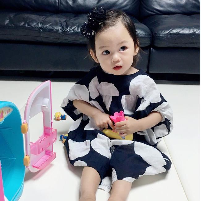 Danh tính nhóc tì khiến cộng đồng mạng Việt Nam điên đảo vì phong cách thời trang chất phát ngất - Ảnh 6.