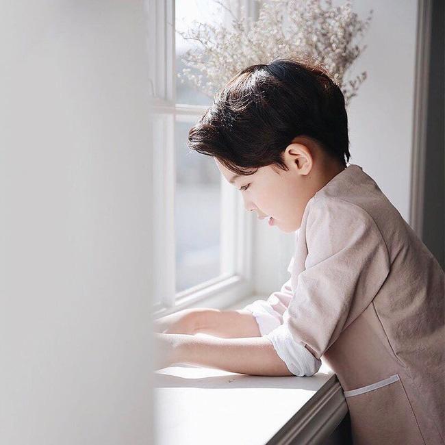 Chàng mẫu 5 tuổi mang hai dòng máu Hàn - Ả Rập khiến cư dân mạng ngây ngất vì quá dễ thương - Ảnh 1.