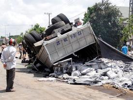 Tai nạn 13 người chết ở Gia Lai: Tài xế được cấp bằng lái năm 2016